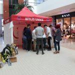 Tatvan'da örnek aşı kampanyası: Aşı olan gençlere çekilişle bisiklet dağıtıldı.